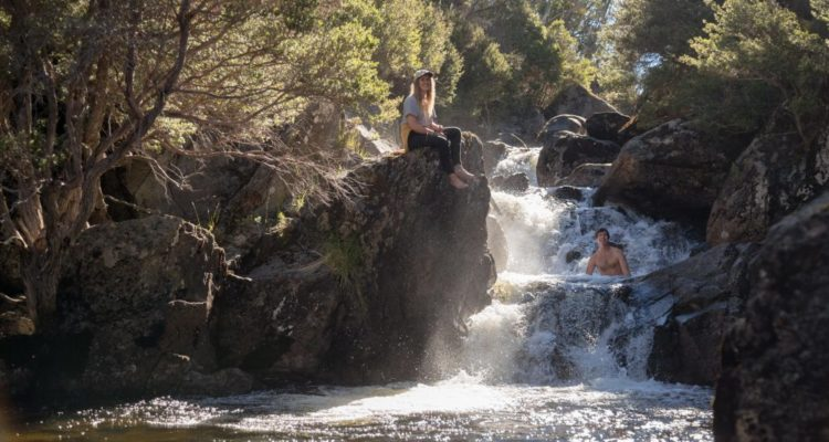 Take-a-plunge-into-the-mountain-stream-in-Thredbo-1000x667
