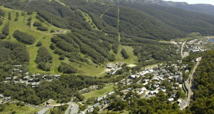 Thredbo-village-and-mountain-1000x664