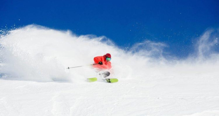 big-turns-inthe-fresh-in-Thredbo-1000x667
