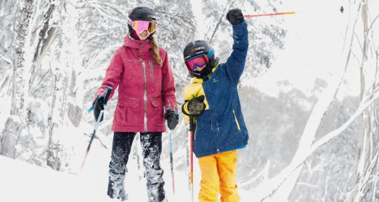 siblings-ski-day-yay-for-Thredbo-1000x667